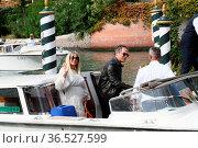 Claudio Santamaria with wife Francesca Barra pregnant arrive at the... Редакционное фото, фотограф Maria Laura Antonelli / AGF/Maria Laura Antonelli / age Fotostock / Фотобанк Лори