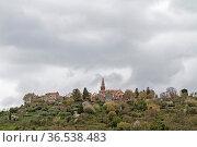 Groznjan - idyllisches kleines Bergdorf auf einem Hügel hoch über... Стоковое фото, фотограф Zoonar.com/Eder Christa / easy Fotostock / Фотобанк Лори