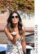 Elisabetta Gregoraci arrives at the Darsena of Hotel Excelsior for... Редакционное фото, фотограф Maria Laura Antonelli / AGF/Maria Laura Antonelli / age Fotostock / Фотобанк Лори