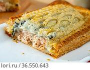 Traditional salmon in puff pastry. Стоковое фото, фотограф Яков Филимонов / Фотобанк Лори