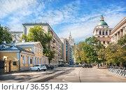 Музей Герцена в переулке Ситцев Вражек в Москве. Редакционное фото, фотограф Baturina Yuliya / Фотобанк Лори