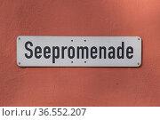 Seepromenade, Schild, Meersburg, Baden-Wuerttemberg, Deutschland| ... Стоковое фото, фотограф Zoonar.com/Günter Lenz / age Fotostock / Фотобанк Лори