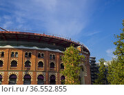 Exterior of redeveloped former bullring, Arenas de Barcelona with... Стоковое фото, фотограф Mehul Patel / age Fotostock / Фотобанк Лори