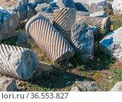 Perge zerborstene Säulen mit spiralförmiger Dekoration. Стоковое фото, фотограф Zoonar.com/Wieland Hollweg / age Fotostock / Фотобанк Лори