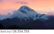 Sundown on Mount Kazbek, Georgia, Europe. Стоковое фото, фотограф Zoonar.com/Alexander Ludwig / age Fotostock / Фотобанк Лори