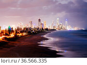 A view of Broadbeach and Surfers Paradise at dusk from Mick Schamburg... Стоковое фото, фотограф Zoonar.com/Chris Putnam / easy Fotostock / Фотобанк Лори