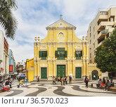 Macau, China. St Dominic's Church, part of the Historic Centre of... (2012 год). Редакционное фото, фотограф Ken Welsh / age Fotostock / Фотобанк Лори