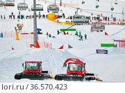 Das Skigebiet Seebuck am Feldberg, die Sechser-Sesselbahn bringt ... Стоковое фото, фотограф Zoonar.com/Joachim Hahne / age Fotostock / Фотобанк Лори