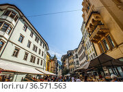 Bolzano, Bozen, Dolomites, Alpine mountain region, South Tirol, Alto... Редакционное фото, фотограф Angelo Calvino / age Fotostock / Фотобанк Лори