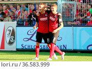 Nils Petersen (Freiburg) und Mike Frantz (Freiburg) erzielten die... Стоковое фото, фотограф Zoonar.com/Joachim Hahne / age Fotostock / Фотобанк Лори