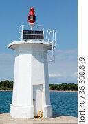 Leuchtturm , Novigrad, Istrien, Kroatien, leuchtfeuer, meer, mittelmeer... Стоковое фото, фотограф Zoonar.com/Volker Rauch / easy Fotostock / Фотобанк Лори