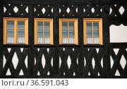 Detail eines Fachwerkhauses in Weimar (Thüringen) Стоковое фото, фотограф Zoonar.com/Martina Berg / easy Fotostock / Фотобанк Лори