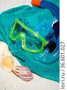 Schnorchel und Taucherbrille auf Badehandtuch. Стоковое фото, фотограф Zoonar.com/Thomas Klee / easy Fotostock / Фотобанк Лори