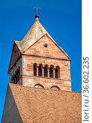Turm vom Breisacher Münster am Rhein. Стоковое фото, фотограф Zoonar.com/Thomas Klee / easy Fotostock / Фотобанк Лори