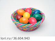 Osterei, ei, eier, ostern, osternest, blau, rot, grün, gelb, orange... Стоковое фото, фотограф Zoonar.com/Volker Rauch / easy Fotostock / Фотобанк Лори
