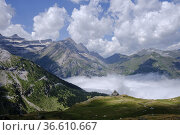Espuguettes refuge, Pyrenees National Park, Hautes-Pyrenees, France. Стоковое фото, фотограф Tolo Balaguer / age Fotostock / Фотобанк Лори