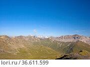 Blick auf die Berge des Schweizer Nationalparkes rund um den Ofenpass. Стоковое фото, фотограф Zoonar.com/Christa Eder / age Fotostock / Фотобанк Лори