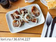 Grilled pork meat shashlik with sliced onion. Стоковое фото, фотограф Яков Филимонов / Фотобанк Лори