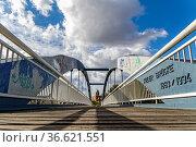 Die Kieler Brücke im Berliner Bezirk Mitte. Стоковое фото, фотограф Zoonar.com/Karl Heinz Spremberg / age Fotostock / Фотобанк Лори
