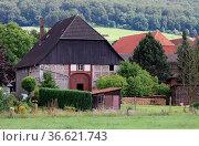 Bauernhof in Niedersachsen. Стоковое фото, фотограф Zoonar.com/Martina Berg / easy Fotostock / Фотобанк Лори