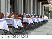 Aussenbereich eines Restaurant in Berlin. Стоковое фото, фотограф Zoonar.com/Karl Heinz Spremberg / age Fotostock / Фотобанк Лори