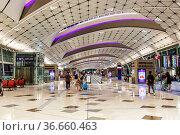 Hong Kong, China ? 20. September, 2019: Midfield Concourse Terminal... Стоковое фото, фотограф Zoonar.com/Markus Mainka / age Fotostock / Фотобанк Лори