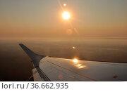 Flugzeug, flug, fliegen, fliegen, reise, urlaub, flugzeugflügel, wolke... Стоковое фото, фотограф Zoonar.com/Volker Rauch / easy Fotostock / Фотобанк Лори