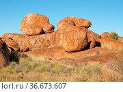 Devils Marbles, Stuart Highway, Northern Territory, Australia. Стоковое фото, фотограф Zoonar.com/Alexander Ludwig / easy Fotostock / Фотобанк Лори