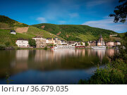 Panoramic image of Bernkastel close to the Moselle river at sunset... Стоковое фото, фотограф Zoonar.com/Alexander Ludwig / easy Fotostock / Фотобанк Лори