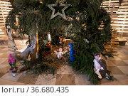 Christmas nativity scene with baby Jesus Creche. Стоковое фото, фотограф Ирина Аринина / Фотобанк Лори