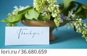 Bouquet of white lilacs with greeting card. Стоковое видео, видеограф Peredniankina / Фотобанк Лори