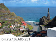 Northern coastline of Madeira near Porto Moniz with big rock and high... Стоковое фото, фотограф Zoonar.com/chris willlemsen / easy Fotostock / Фотобанк Лори