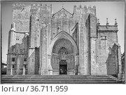 Cathedral of Tui, Camino de Santiago, Spain. Стоковое фото, фотограф Zoonar.com/Alexander Ludwig / easy Fotostock / Фотобанк Лори