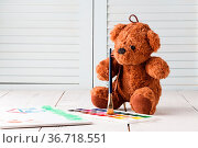 Kid draw learning, teddy with paints. Стоковое фото, фотограф Zoonar.com/Photographer: Andrey N.Cherkasov / easy Fotostock / Фотобанк Лори