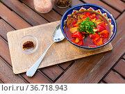 Lagman Uyghur is a popular dish of Central Asian cuisine. Стоковое фото, фотограф Яков Филимонов / Фотобанк Лори