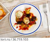 Meat balls with cheese and stewed eggplants. Стоковое фото, фотограф Яков Филимонов / Фотобанк Лори