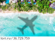 Reise Urlaub Meer reisen Symbolbild Flugzeug fliegen Seychellen Luftbild... Стоковое фото, фотограф Zoonar.com/Markus Mainka / easy Fotostock / Фотобанк Лори