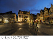 """""""Germany, Bremen - Weserrenaissance building at the market place, in the middle the Schuetting (seat of the chamber of commerce)"""" Редакционное фото, агентство Caro Photoagency / Фотобанк Лори"""