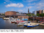 """Inland harbor, Hamburg, Germany, Europe"" Редакционное фото, агентство Caro Photoagency / Фотобанк Лори"