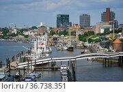"""""""city view harbor Hamburg, Germany, Europe"""" Редакционное фото, агентство Caro Photoagency / Фотобанк Лори"""
