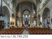 Vannes Cathedral interior, Vannes, Brittany, France. Редакционное фото, фотограф Peter Schickert / age Fotostock / Фотобанк Лори