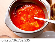 Food callos with chickpeas, pepper and beef tripe, served in bowl. Стоковое фото, фотограф Яков Филимонов / Фотобанк Лори