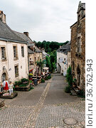 Rochefort-en-Terre , France - July 26, 2018: View of the picturesque... Стоковое фото, фотограф Zoonar.com/@jjfarquitectos / age Fotostock / Фотобанк Лори