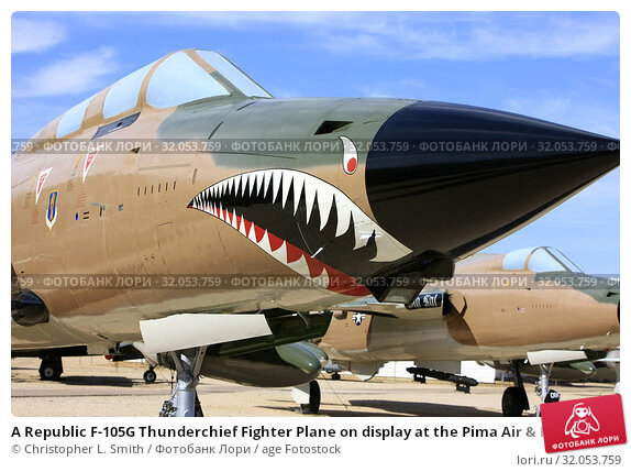 A Republic F-105G Thunderchief Fighter Plane on display at the Pima Air & MSpace Museum, Tucson, AZ. Стоковое фото, фотограф Christopher L. Smith / age Fotostock / Фотобанк Лори