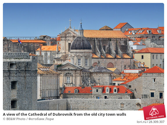 Купить «A view of the Cathedral of Dubrovnik from the old city town walls», фото № 28309307, снято 22 апреля 2018 г. (c) BE&W Photo / Фотобанк Лори