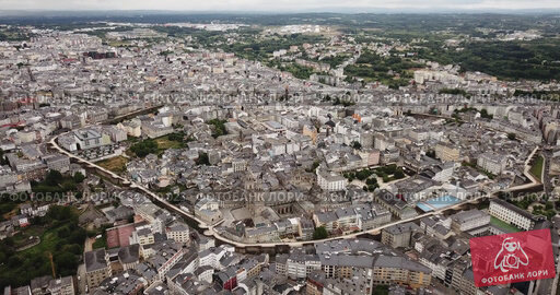 Aerial panoramic view of Lugo galician city with buildings and landscape. Стоковое видео, видеограф Яков Филимонов / Фотобанк Лори