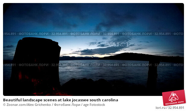 Beautiful landscape scenes at lake jocassee south carolina. Стоковое фото, фотограф Zoonar.com/Alex Grichenko / age Fotostock / Фотобанк Лори