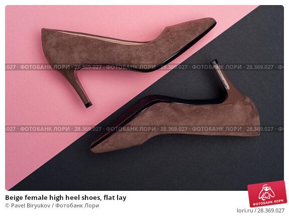 Купить «Beige female high heel shoes, flat lay», фото № 28369027, снято 25 декабря 2017 г. (c) Pavel Biryukov / Фотобанк Лори