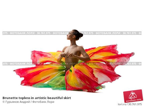 Купить «Brunette topless in artistic beautiful skirt», фото № 30761975, снято 29 апреля 2019 г. (c) Гурьянов Андрей / Фотобанк Лори