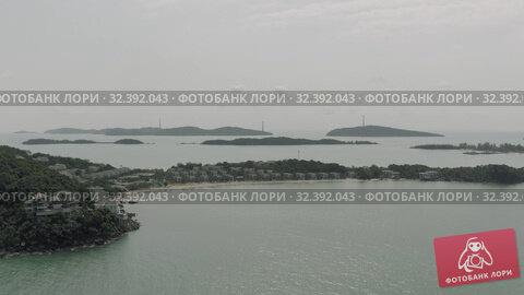 Купить «Cable car Fanicular to Pinepple Island in Vietnam 4K Drone shot», видеоролик № 32392043, снято 5 ноября 2019 г. (c) Aleksejs Bergmanis / Фотобанк Лори